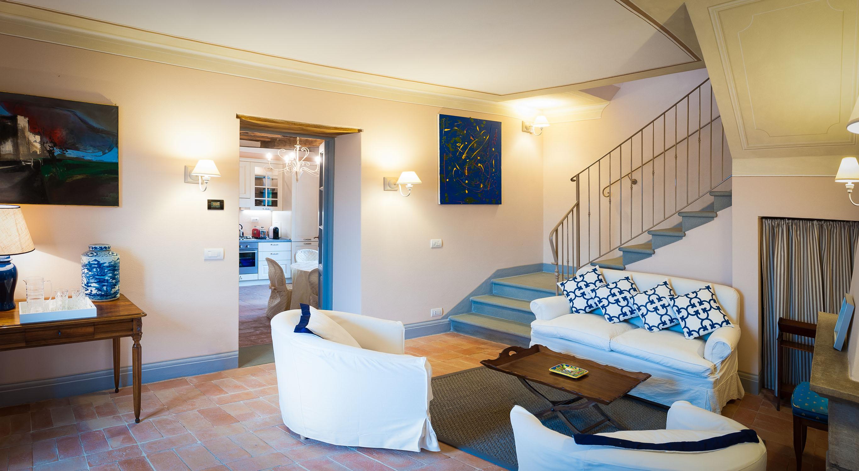 Uno dei salotti negli appartamenti dell'Arancera di Villa Grabau